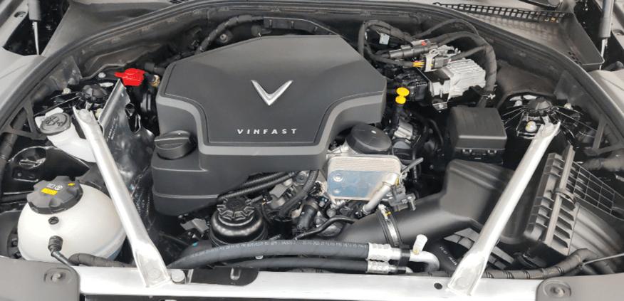 Động cơ VinFast Lux A2.0